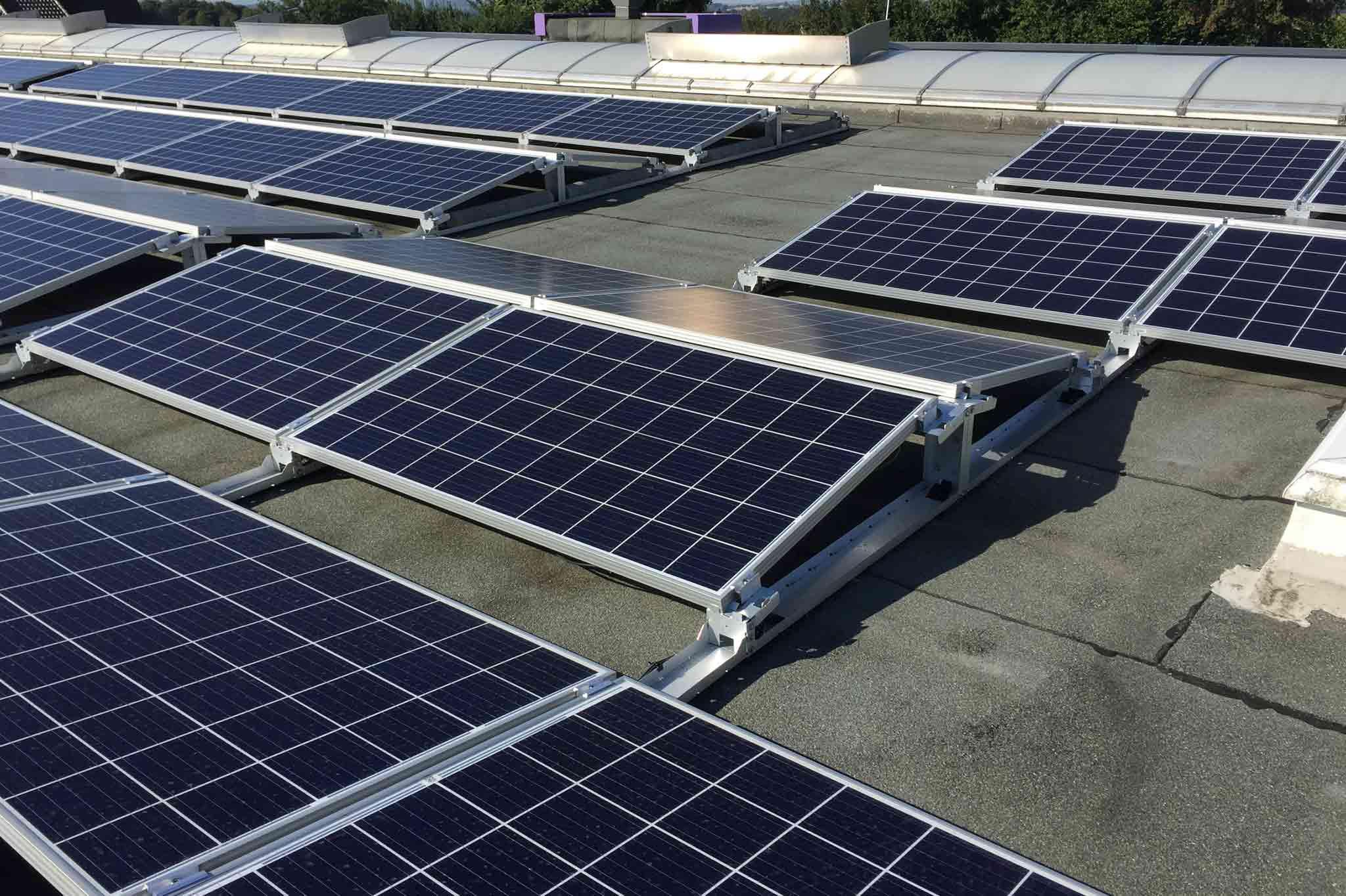 Photovoltaik-Anlage mit Ost-West-Ausrichtung