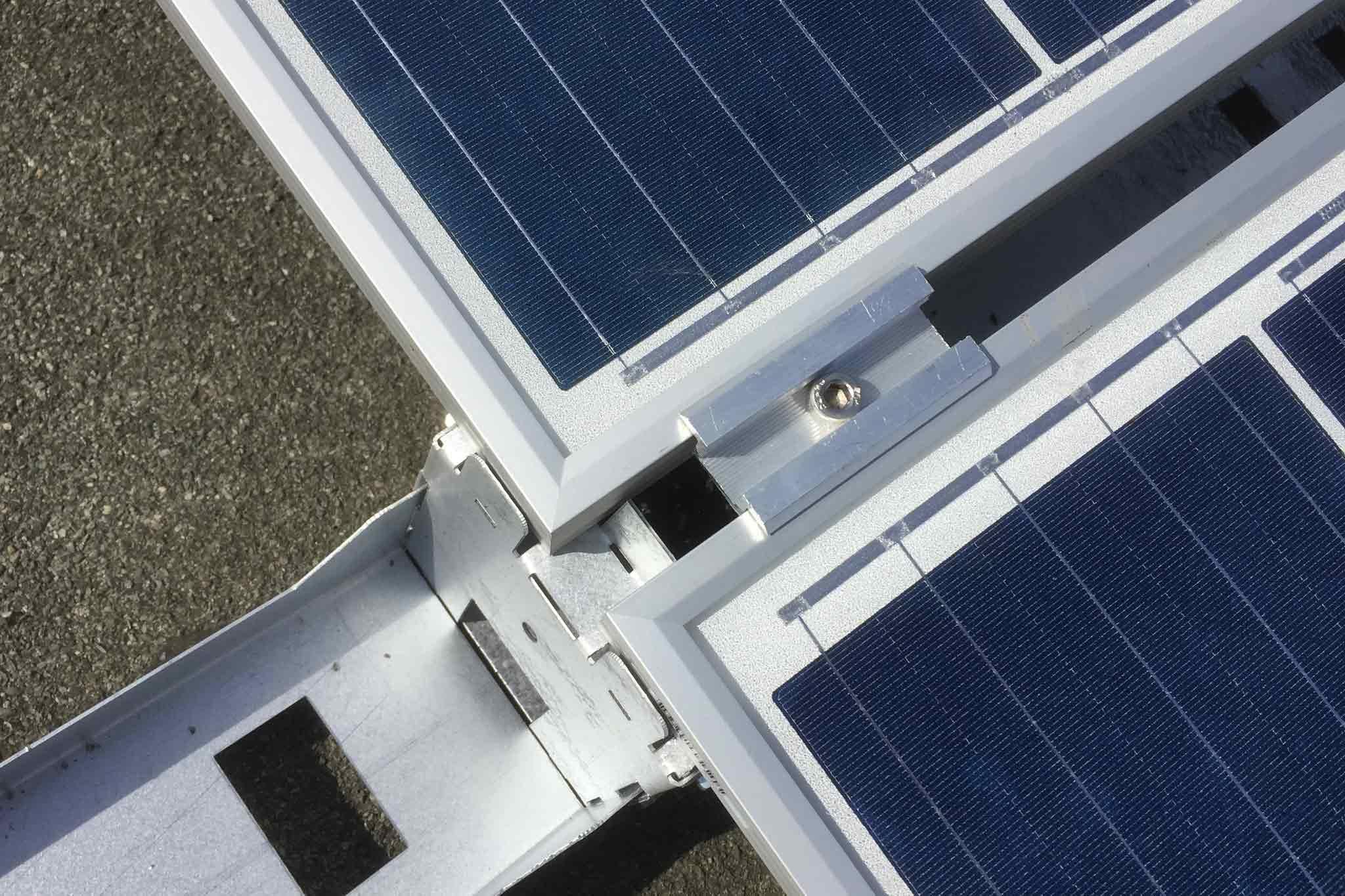 Verbundstück von zwei Solarmodulen